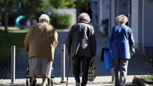 老龄化征途中,中老年健康品市场有哪些新机会?