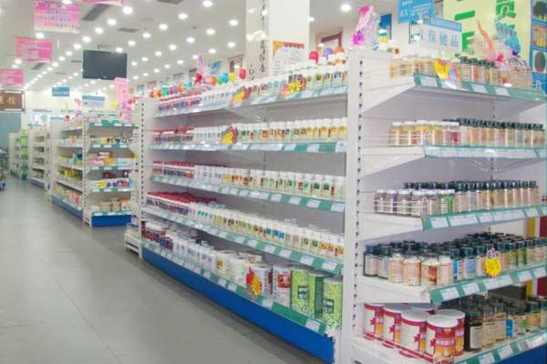 奶粉进药店 首周有点冷